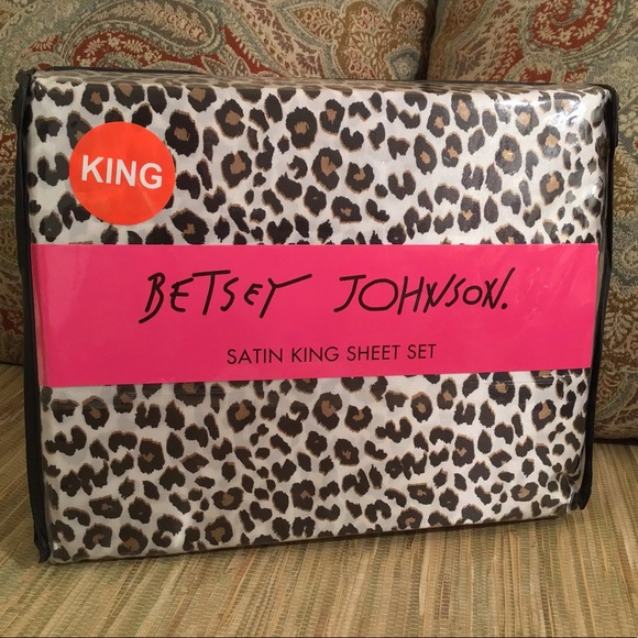 New Betsey Johnson LACE DOTS Full Sheet Set ~ Flowers Dots Grey Gray NIP